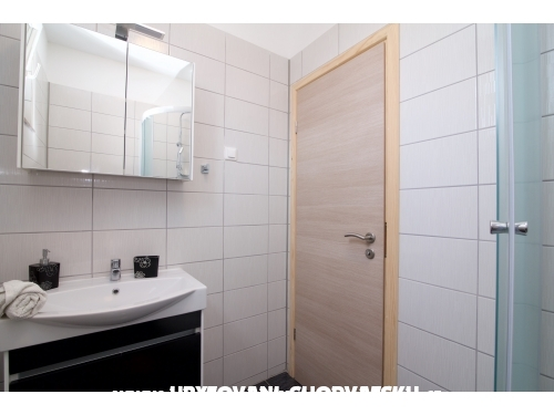 Appartements Becky - Sukošan Kroatien