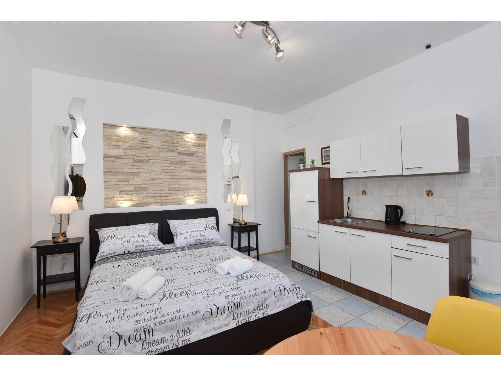 Apartmaji Tonka - Sukošan Hrvaška