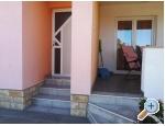 Appartement ANAI with private  pool - Sukošan Kroatien