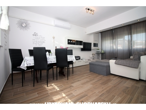 Apartments Nika - Tisno Croatia