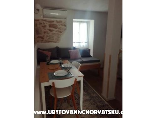 Apartman - kamena kuća  Šparoga - Tisno Horvátország