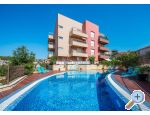 LAURA, 110 m2 pool, 100 m to beach - Trogir Chorwacja