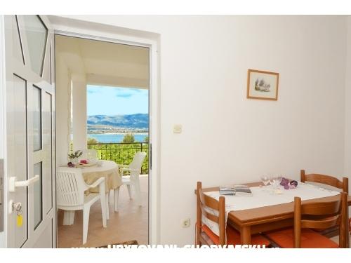 Online-Croatia: Villa Sveti Kriz - Trogir Hrvatska