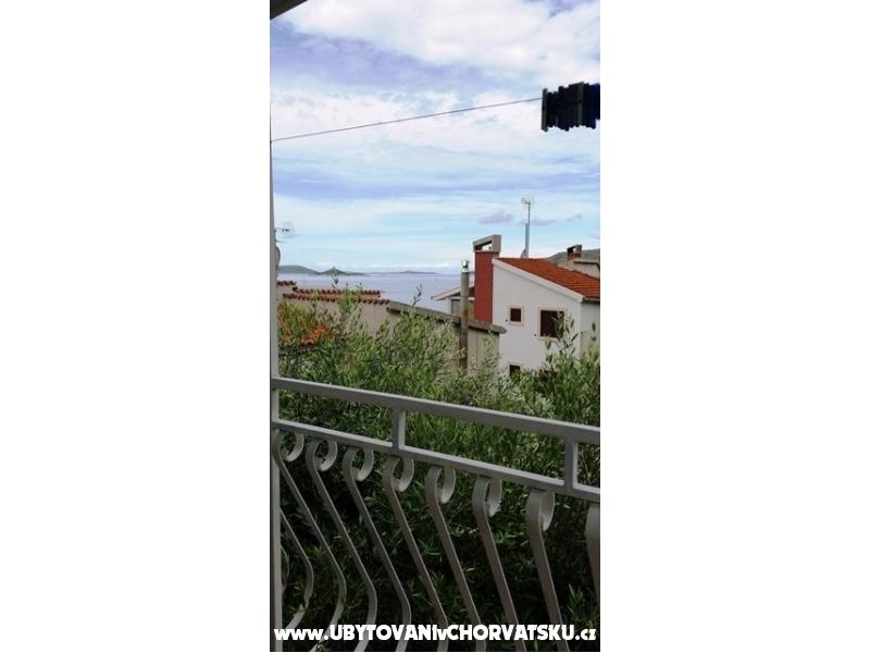 Apartm�ny O�tri� - Trogir Chorvatsko