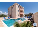 Trogir Apartments Peky