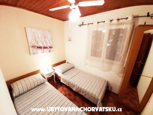 Apartmaji Villa Carmen - Trogir Hrva�ka