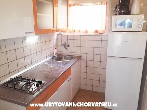 Apartmaji Villa Carmen - Trogir Hrvaška