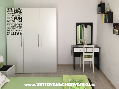 Logos - Trogir Chorvatsko