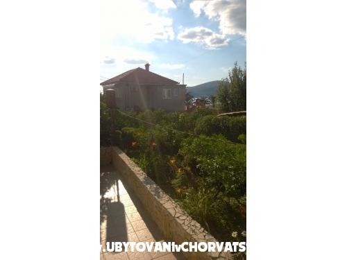 Ferienwohnungen Mare - Trogir Kroatien