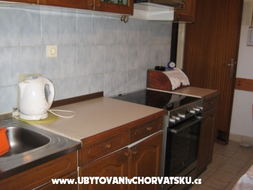 Marinovi Dvori - Trogir Chorv�tsko