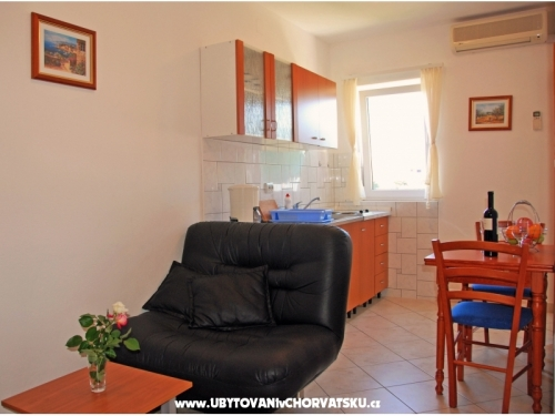 Appartements Milović 30 m od more - Trogir Kroatien