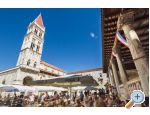 Online-Croatia: Villa Rade - Trogir Croatia