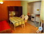Alba Appartements - Tučepi Kroatien