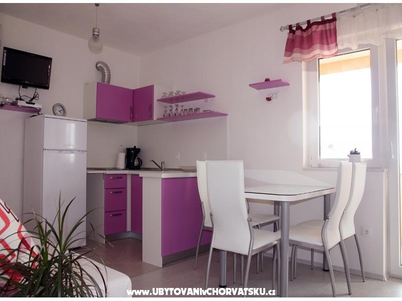Apartmány Acika - Tučepi Chorvatsko