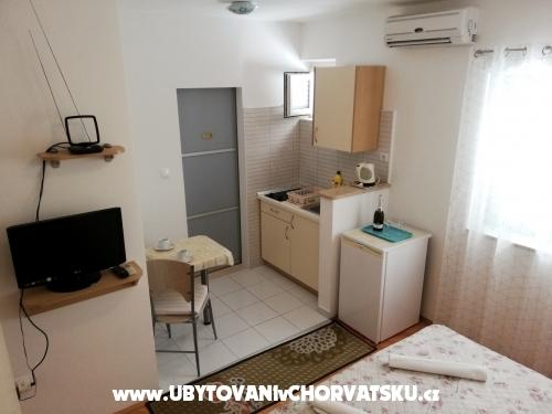 Apartmani Aniko Šarić - Tučepi Hrvatska