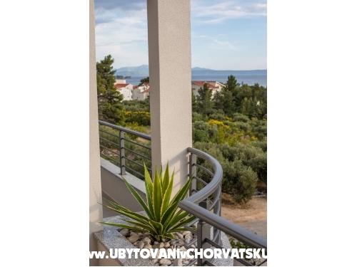 Apartmaji Šućur - Tučepi Hrvaška