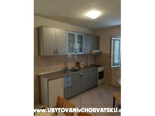 Apartmanok Turić - Tučepi Horvátország