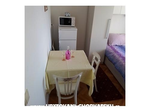 Apartmaji Vitlic - Tučepi Hrvaška