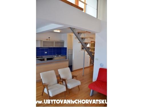 Appartamenti Zdenka Čobrnić - Tučepi Croazia