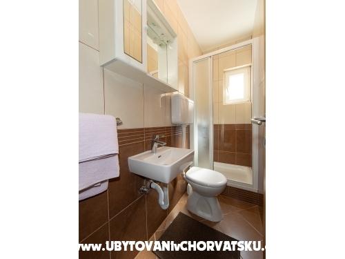 Apartmaji Barbara - Tučepi Hrvaška