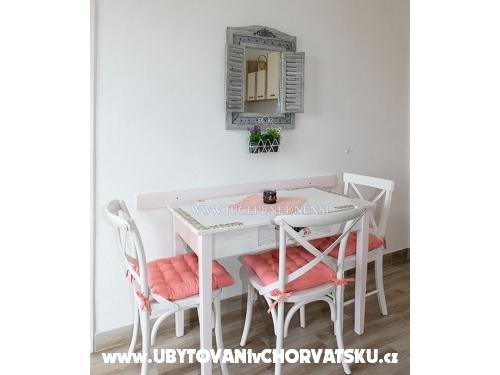 Apartmány Nensi - Tučepi Chorvatsko