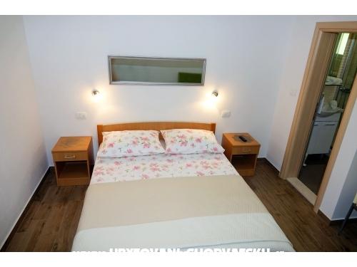 Apartmaji Nevenka i Josko - Tučepi Hrvaška