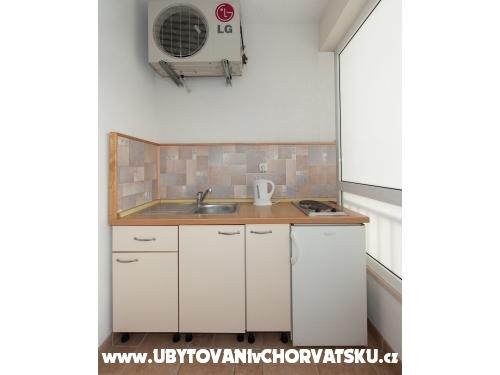Apartmaji Stipe Bušelić - Tučepi Hrvaška