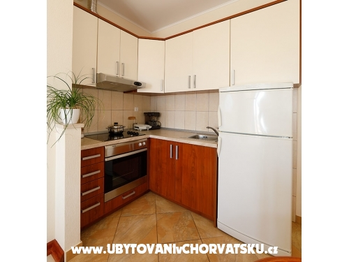 Vila Lili - Tučepi Kroatien