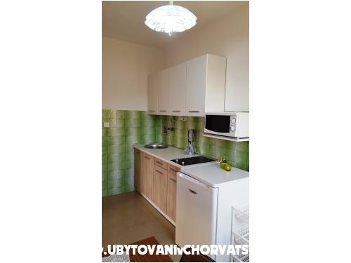 Apartmaji Branko Vidaković - ostrov Ugljan Hrvaška