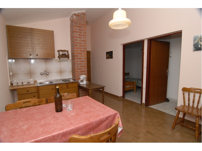 Apartments Loni� - ostrov Ugljan Croatia