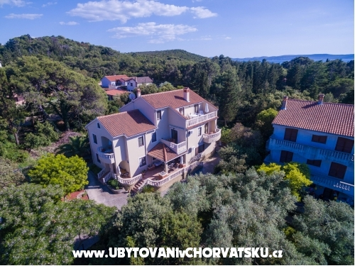 Apartments Rozelyn - ostrov Ugljan Croatia