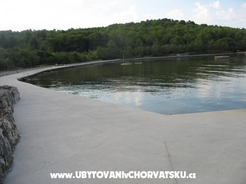 Apartmanok Tomislav - ostrov Ugljan Horvátország