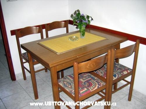 Apartmány Tomislav - ostrov Ugljan Chorvatsko