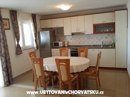 Apartments Sunrise - ostrov Ugljan Croatia