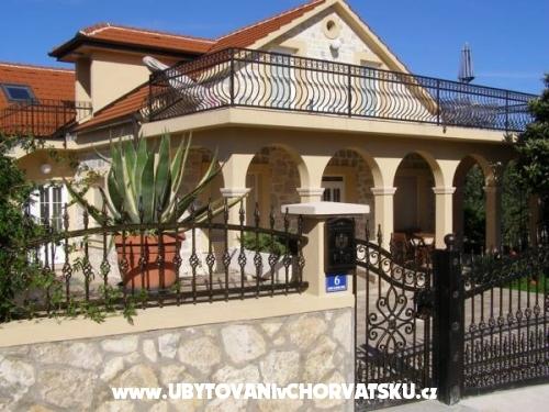 Vila Rosales - ostrov Ugljan Chorvatsko