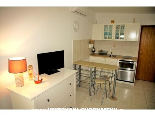 Apartman Bura - ostrov Vir Horvátország