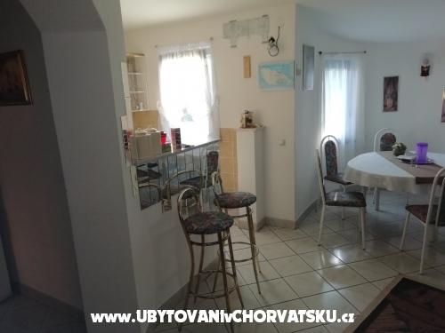 Apartmanok Larus **** 90 m2 - ostrov Vir Horvátország
