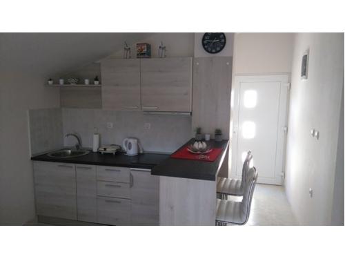 apartman Laura - ostrov Vir Horvátország