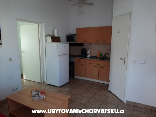Apartments Alma - ostrov Vir Croatia