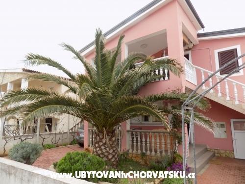 Appartements Karolina - ostrov Vir Croatie