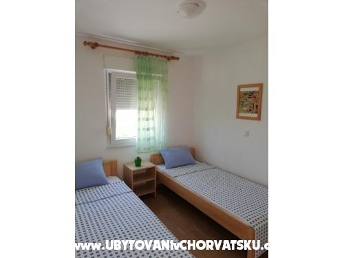 Appartements Dervić Isma - ostrov Vir Croatie