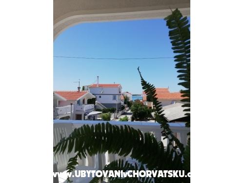 Apartmaji Dervić - ostrov Vir Hrvaška