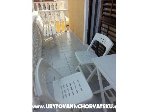 Apartm�ny Lidija - ostrov Vir Chorvatsko