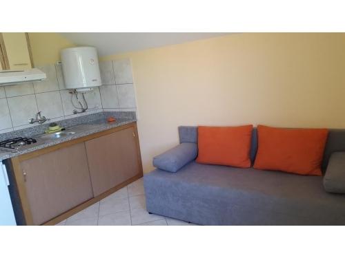 Apartmaji Nenadović - ostrov Vir Hrvaška