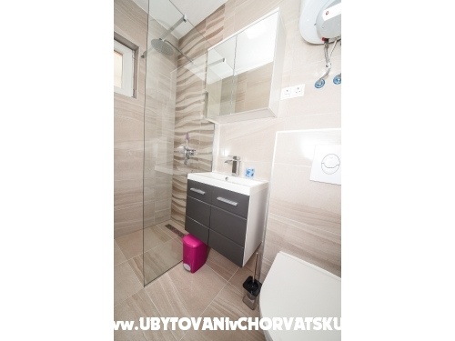Apartments Por - ostrov Vir Croatia