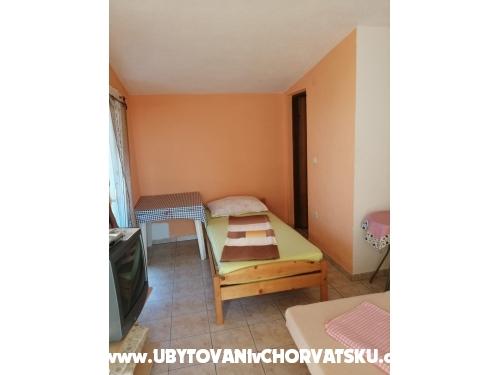Apartments Robi - ostrov Vir Croatia