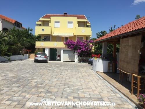 Apartmanok SARIC A - ostrov Vir Horvátország