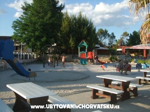 Apartmahaus Paul - ostrov Vir Hrvaška