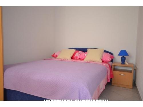 Apartmaji Magnolia - ostrov Vir Hrvaška