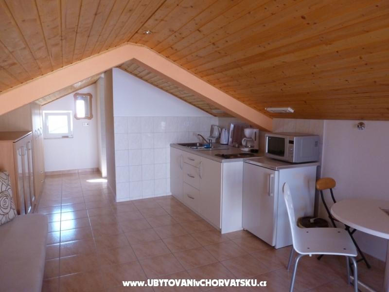 Hiša Paul - ostrov Vir Hrvaška
